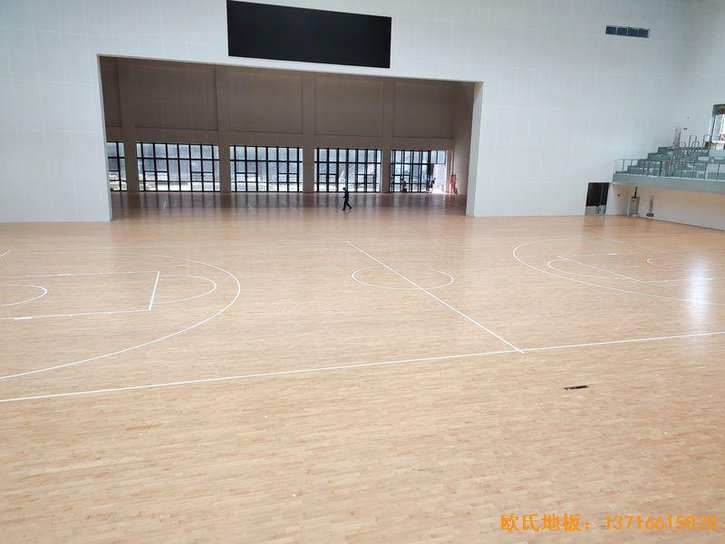 四川达州文理学院体育木地板铺设案例