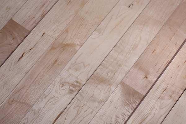 体育木地板如何养护