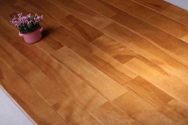 没有色差的实木运动地板,你确定敢买吗?!