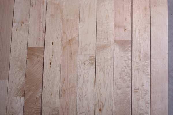 篮球场木地板预留伸缩缝标准是多少