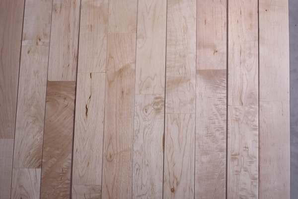 枫木篮球场木地板有什么特点
