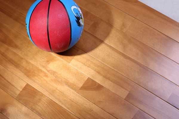 购置活动木地板,照样专业的好