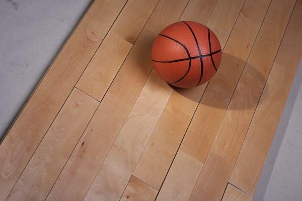 齐齐哈尔体育馆室内实木地板