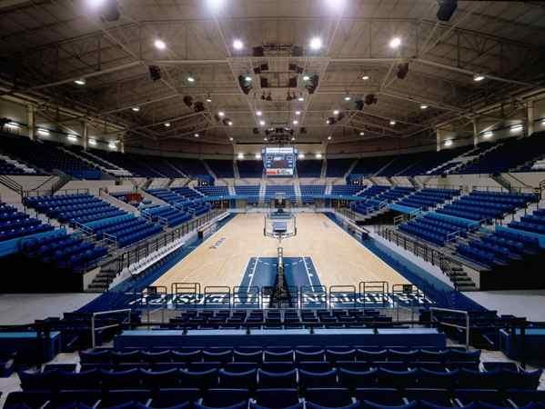 沈阳体育馆的地板