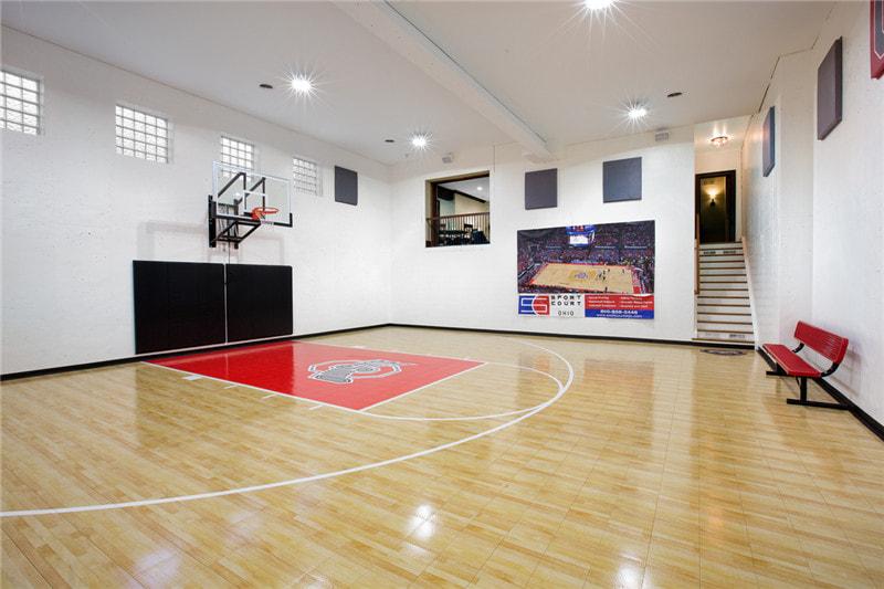 室内篮球场木地板